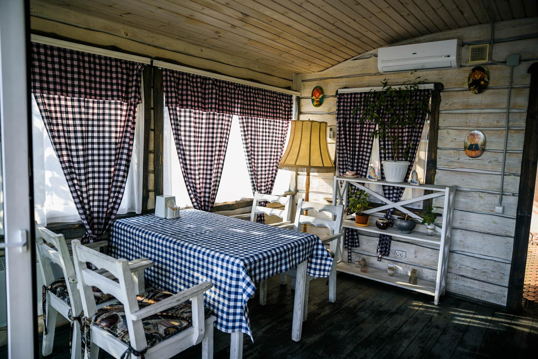 Домик у озера. Ресторан Веранда. Запорожье (4)